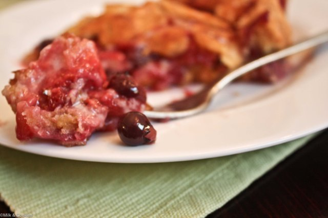 Blueberry and strawberry pie recipe | Milk and Cookies